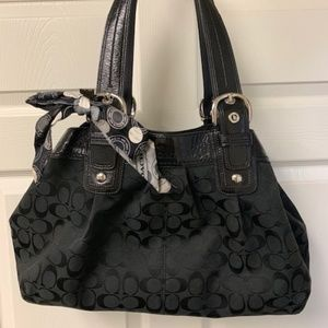 AUTHENTIC LARGE COACH BLACK SIGNATURE BAG